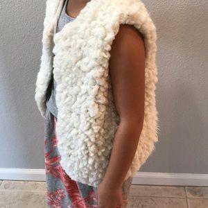 Tilly's Full Tilt XL Sherpa Sheep Ivory Vest